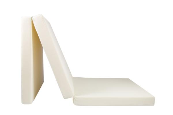 Praktische 3-fach faltbare Klappmatratze aus 100% Polyurethan, Größe ca. 65x195 cm, verfügbar in fünf verschiedenen Farben (creme, türkis, rot, schwarz, anthrazit)