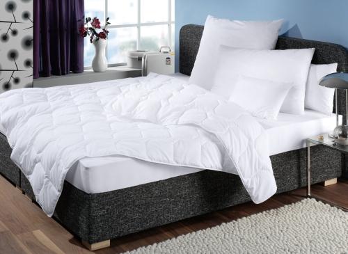 Steppdecke/Bettdecke aus 100% Polyester, versch. Größen