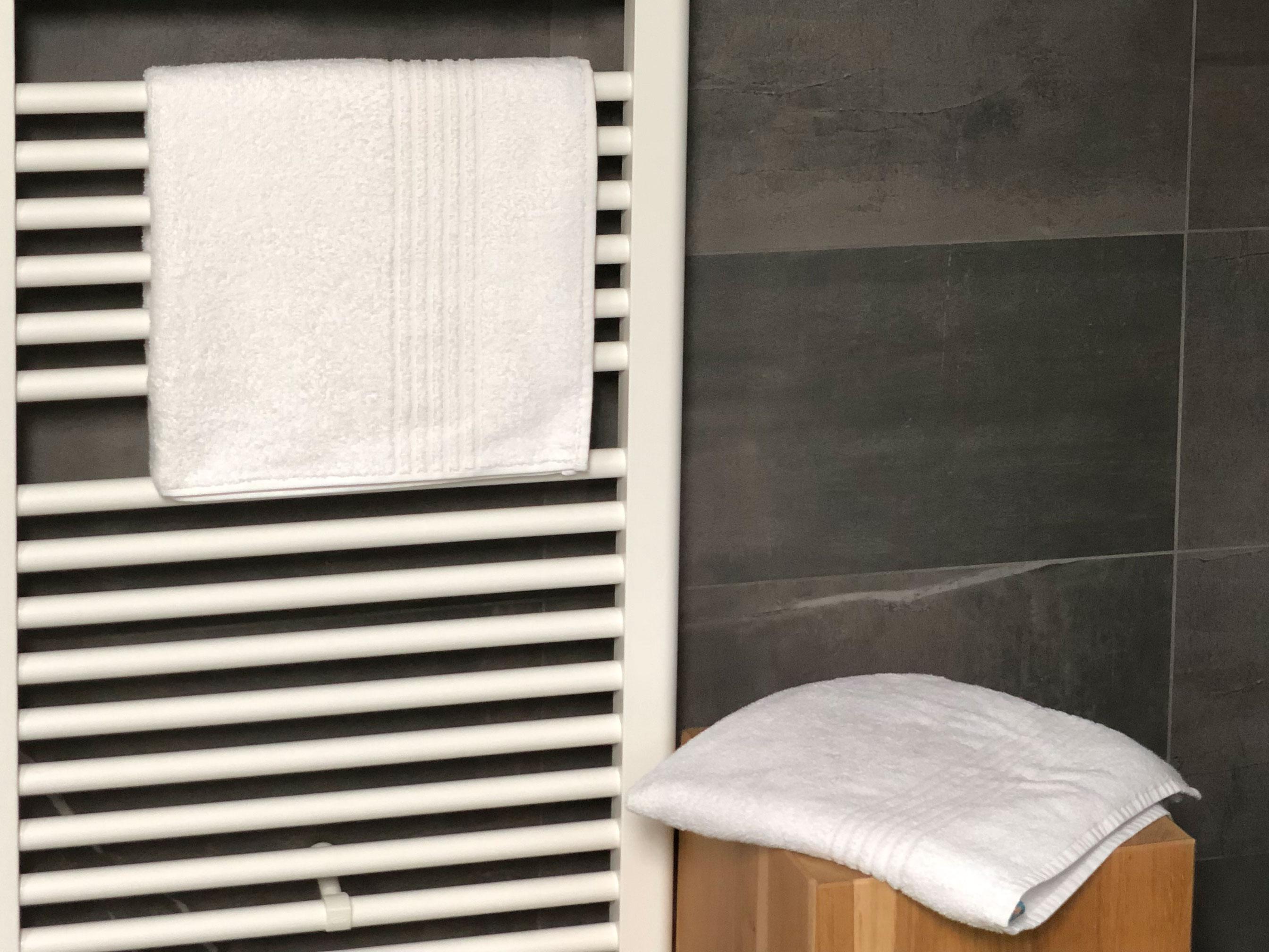 Duschtücher (2er-Set), 100 % Baumwolle, ca. 70x140 cm