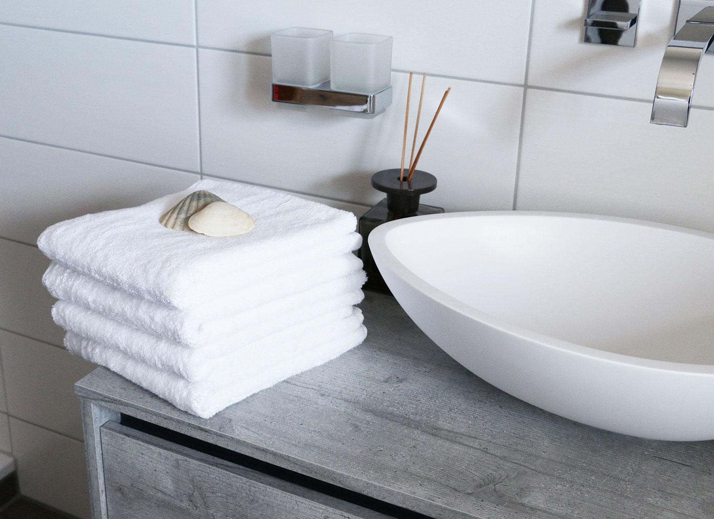 Handtücher (4er-Set) aus 100% Baumwolle, 50x100 cm, weiß